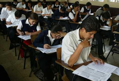 En las pruebas de matemáticas el 11.44% de estudiantes consiguió el logro en matemáticas. (Foto Prensa Libre: Hemeroteca PL)