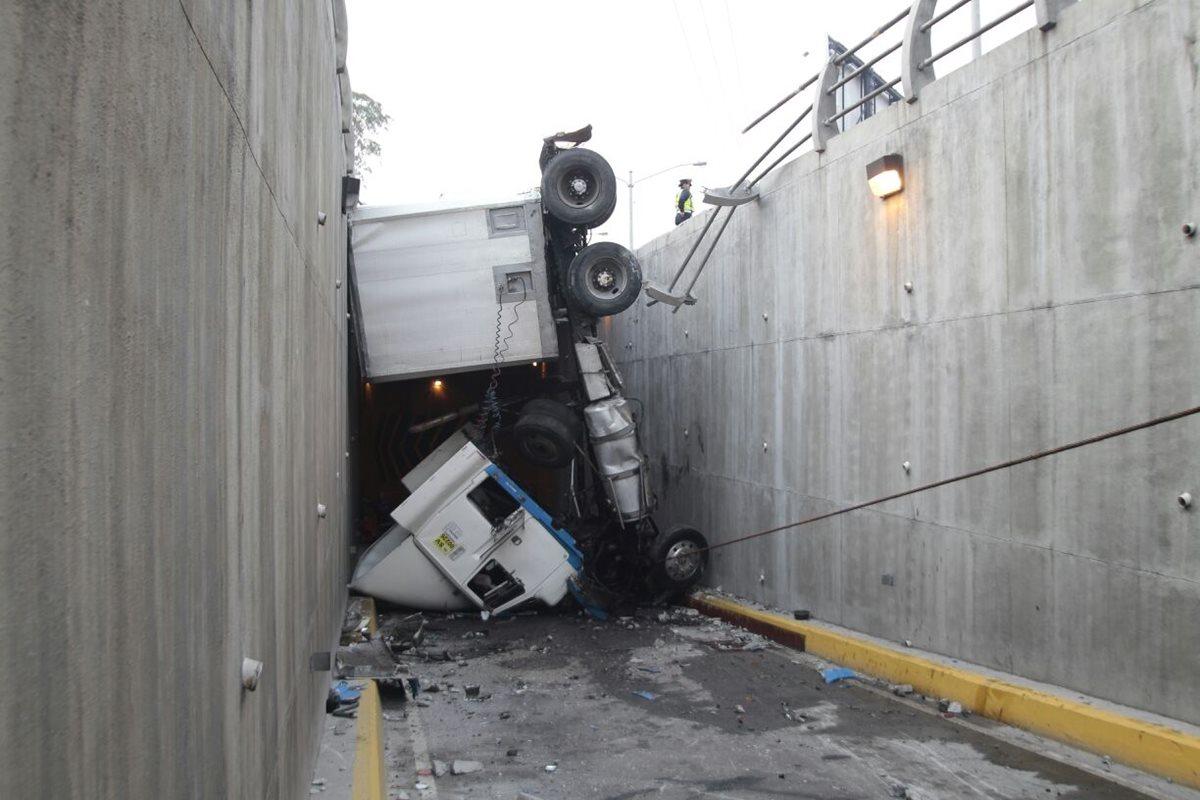 Caos vehicular en la capital por ocho colisiones