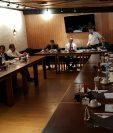 El Consejo Superior Universitario se reunió el viernes pasado en un restaurante de la zona 11 y ahí fue donde adoptaron el pronunciamiento. (Foto Prensa Libre: Byron Secaida)