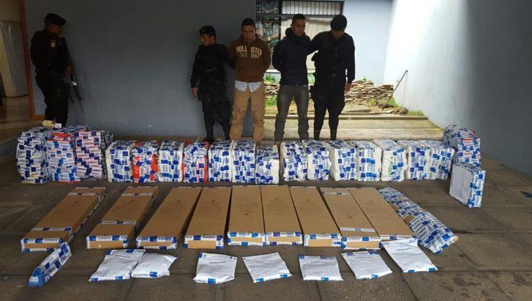 Centroamérica es utilizada por grupos de narcos para trasladar al año toneladas de droga hacia Estados Unidos. (Foto Prensa Libre: Hemeroteca PL)