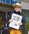 Joaquín Sabina fue ingresado a un hospital en España el 21 del mes en curso, por problemas de circulación. (Foto Prensa Libre: Facebook Lo Niego Todo)