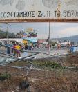 Parte de la malla que fue derribada por vecinos en la zona 7 de Huehuetenango. (Foto Prensa Libre: Mike Castillo)