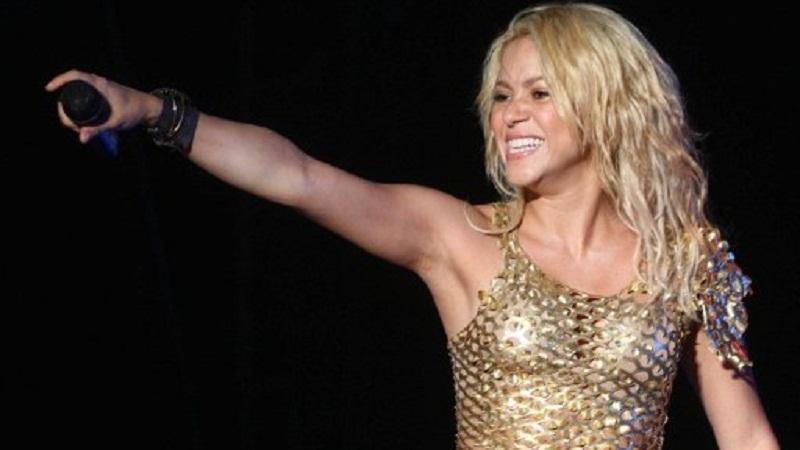 Shakira recibió el apoyo de su familia y seguidores (Foto Prensa Libre: AFP).