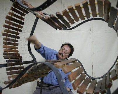 Joaquín Orellana ha creado verdaderas esculturas sonoras a base de hormigo.