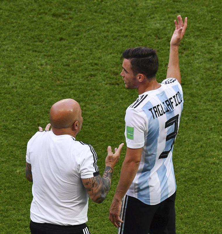 Jorge Sampaoli fue criticado durante todo el campeonato por sus decisiones. (Foto Prensa Libre: AFP)