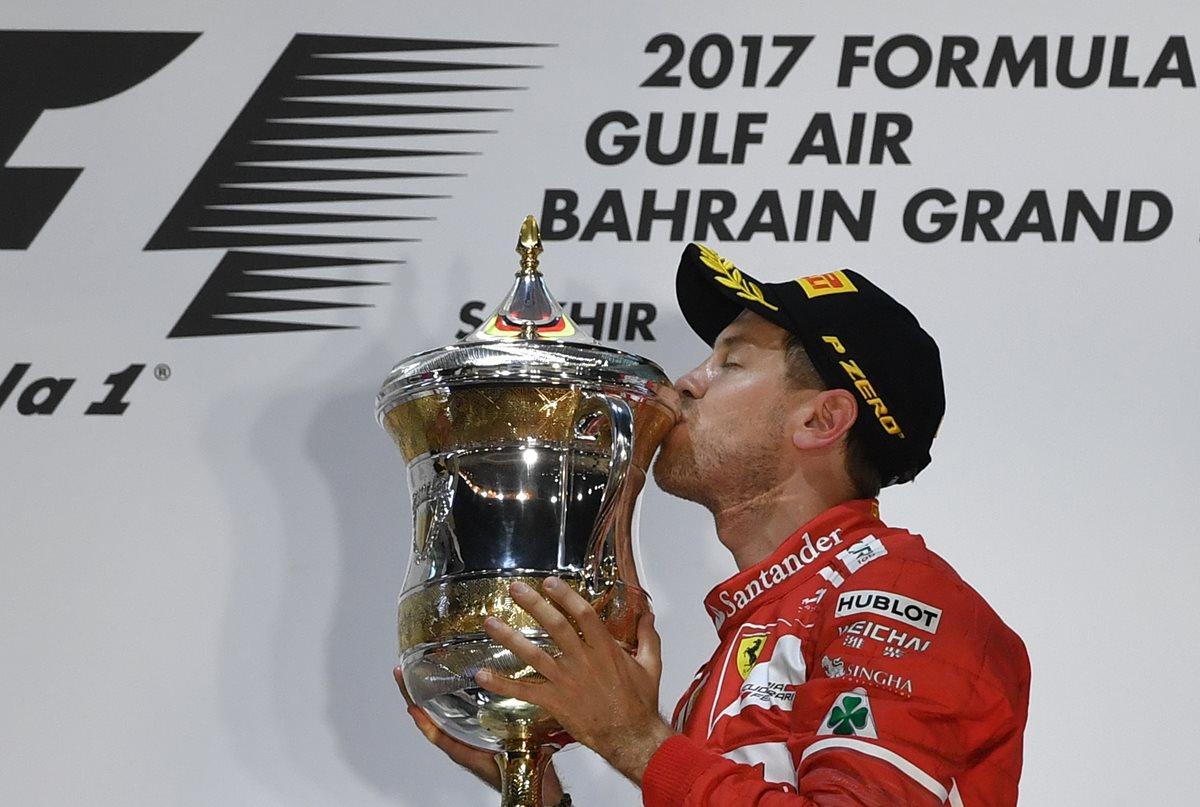 Vettel gana el Gran Premio de Bahréin por delante de Hamilton