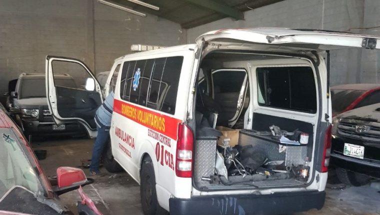 Ambulancia donada por la estación central, continúa en reparación. (Foto Prensa Libre: Cortesía).