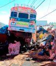 En la mayoría de percances ocurridos en Cuatro Caminos se han visto involucradas unidades del transporte pesado. (Foto Prensa Libre: María José Longo)