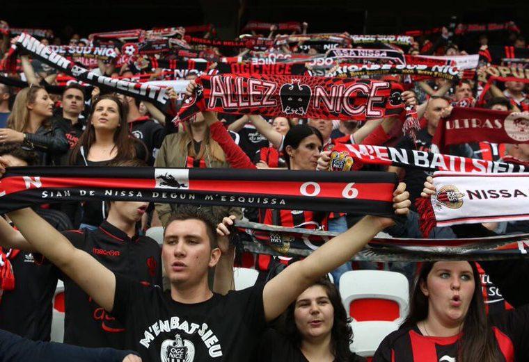 La afición del Niza vivirá las noches mágicas de la Liga de Campeones de Europa. (Foto Prensa Libre: Twitter de Niza).