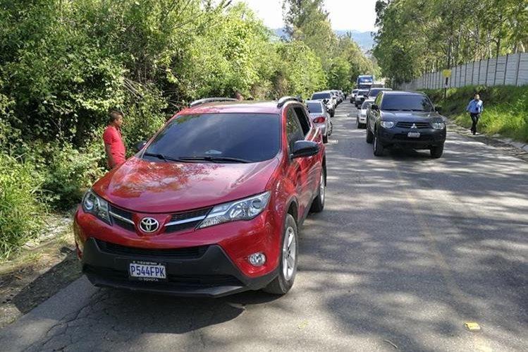 El vehículo en el que viajaba una abogada, secuestrada el 3 de agosto del 2017, fue abandonado con un niño en su interior, en la zona 3 de Villa Nueva. (Foto HemerotecaPL)