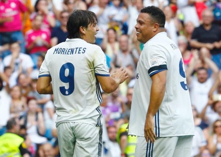 Ronaldo durante el partido de este domingo en el Santiago Bernabéu. (Foto Prensa Libre: EFE)