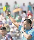 El árbitro Wálter López dirigirá el partido entre Suchitepéquez y Petapa el domingo a partir de las 11 horas. (Foto Prensa Libre: Hemeroteca PL)