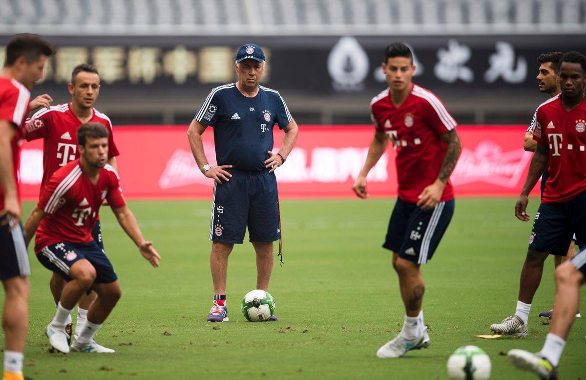 Carlo Ancelotti asegura que todos deberán trabajar para ganar la titularidad. (Foto Prensa Libre: AFP)