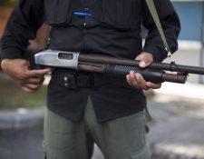"""En Guatemala hay más guardias de seguridad privada que agentes de la Policía Nacional Civil. (Foto Prensa Libre: AP) <br _mce_bogus=""""1""""/>"""
