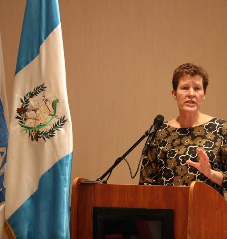 Anne Birgitte Albrectsen, CEO Plan International, menciona que es importante que las niñas alcen la voz en sus comunidades. (Foto Prensa Libre: Carlos Hernández)
