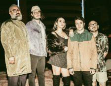 Sofía Insua es la nueva cantante de la banda guatemalteca Easy Easy. (Foto Prensa Libre: Cortesía Easy Easy)