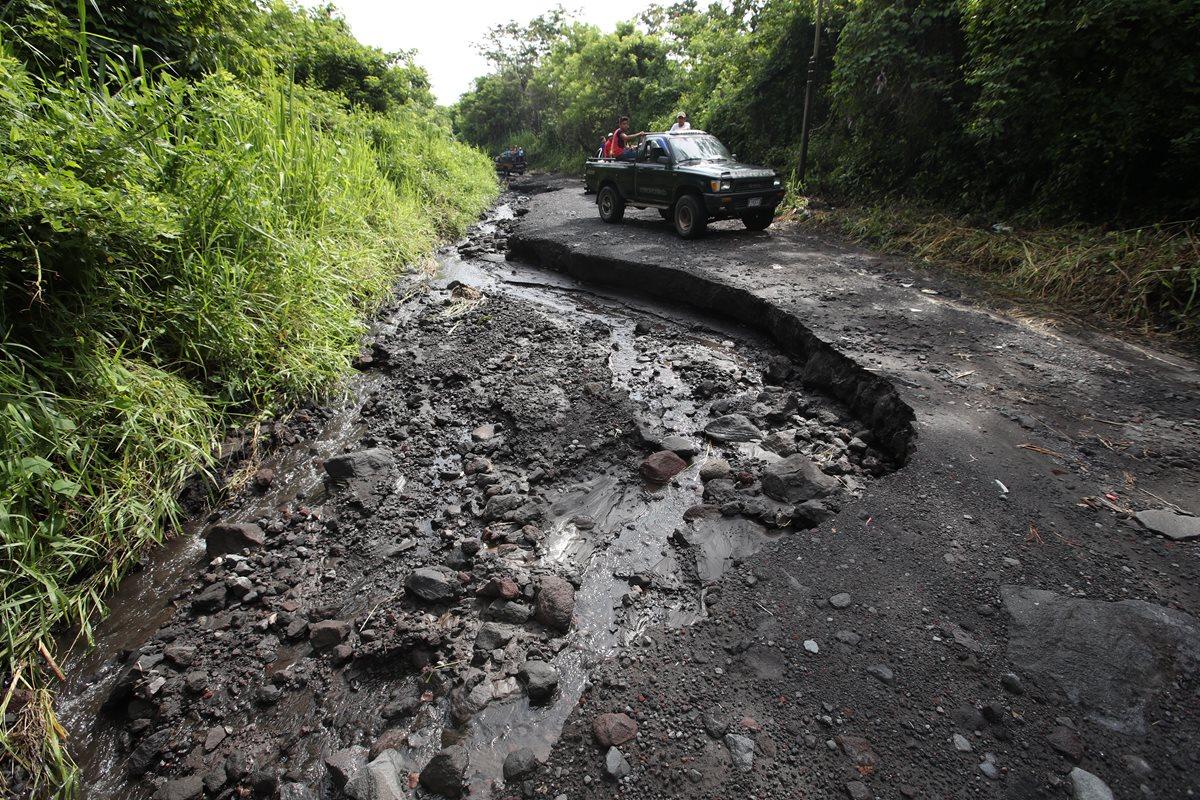 Ruta intransitable poneen riesgo a varias comunidades