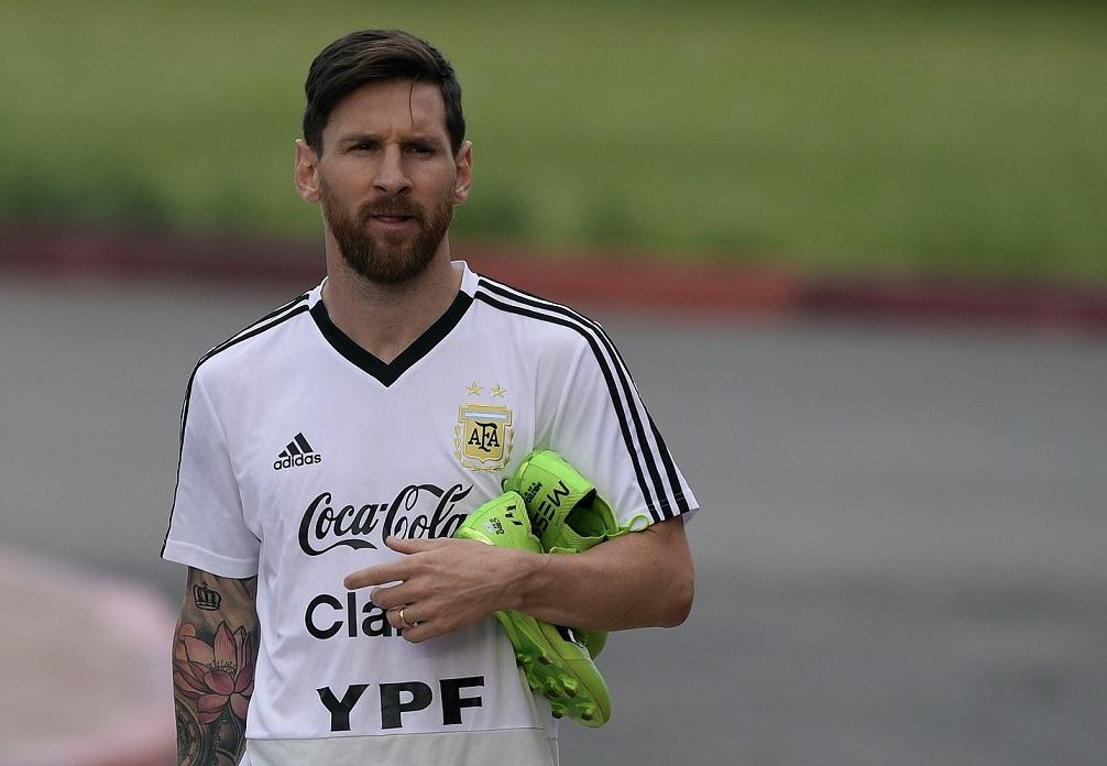 Lionel Messi sufrió mucho la eliminación de Argentina en el Mundial de Rusia. El delantero no se ha recuperado del golpe. (Foto Prensa Libre: AFP)