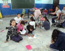 Algunos maestros hicieron caso omiso a la orden del Ministerio de Educación y tomaron vacaciones de medio año. (Foto Prensa Libre: Hemeroteca PL)