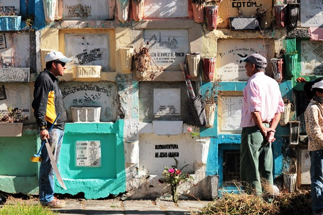 Solicitan 800 exhumaciones por falta de pago