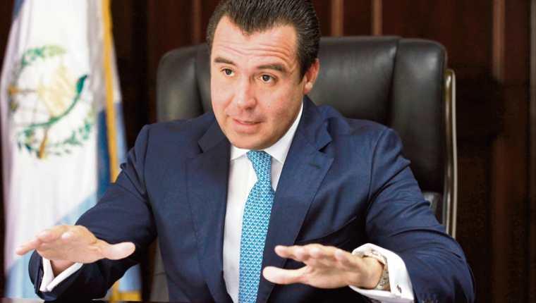 Alejandro Sinibaldi confirmó que no buscará la presidencia en las próximas elecciones. (Foto Prensa Libre: HemerotecaPL)