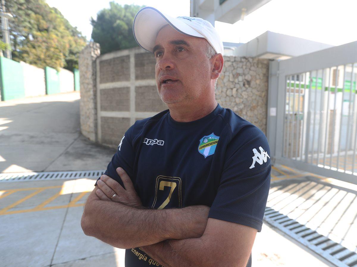 El timonel de Comunicaciones, William Coito Olivera, asegura que en el juego del domingo contra Antigua GFC ya no habrá tanta fricción como en el duelo de ida que se celebró en el estadio Pensativo (Foto Prensa Libre: Edwin Fajardo)