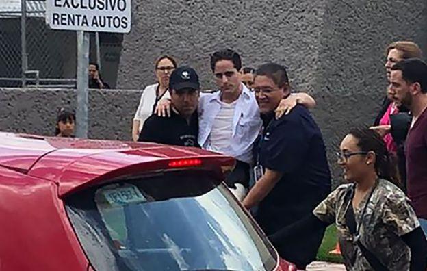Algunos heridos fueron trasladados en vehículos particulares a los centros médicos.  (GettyImages)