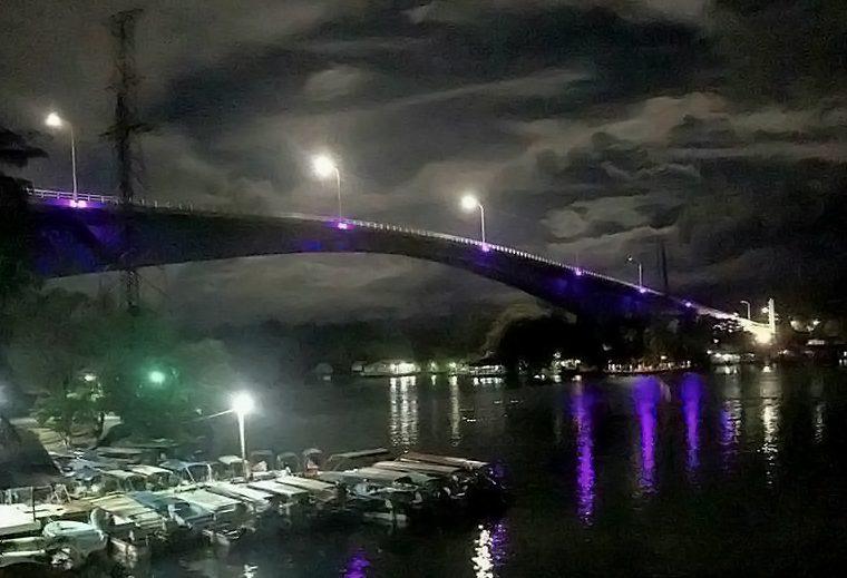 En noviembre del 2017 fue inaugurado el proyecto de iluminación. El Gobierno se comprometió a ampliarlo, pero no lo ha hecho. (Foto Prensa Libre: Dony Stewart)