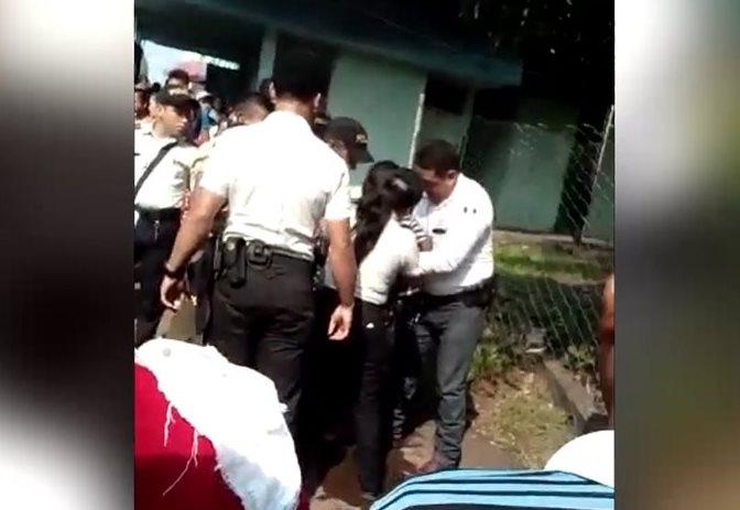 Investigan posible abuso de agentes durante procedimiento en hospital de Escuintla