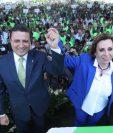 Sandra Torres Casanova y Carlos Raúl Morales son proclamados como precandidatos a la presidencia por el partido UNE. (Foto Prensa Libre: Esbin García).