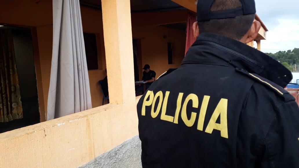 PNC captura a implicados en estructura de extorsiones. (Foto Prensa Libre: PNC)