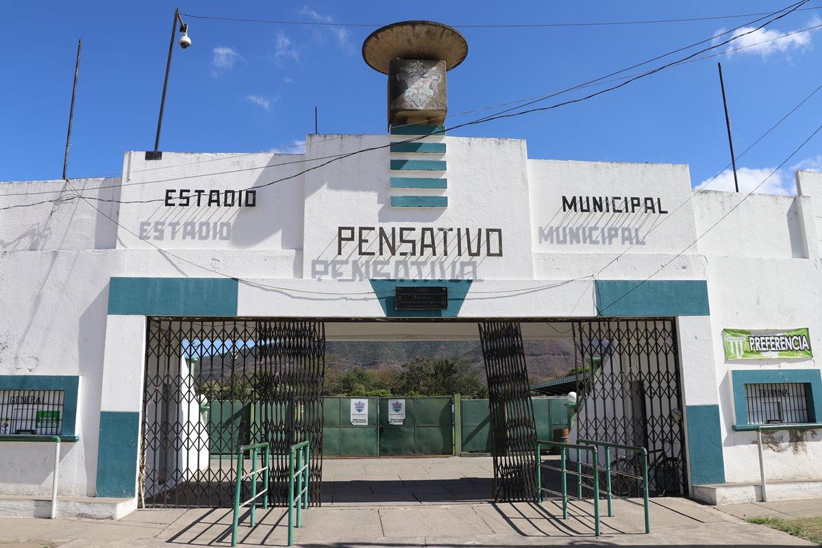 Antigua GFC retoma el proyecto de iluminación del estadio Pensativo