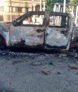 Vehículo de la Gobernación, destruido por la turba. (Foto: cortesía de @lers258)