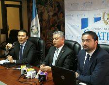 El Ministerio de Trabajo, por medio de los viceministros, respaldó la decisión del mandatario y anunció que se preparan los operativos para verificar el cumplimiento del nuevo salario. (Foto, Prensa Libre: Urias Gamarro)
