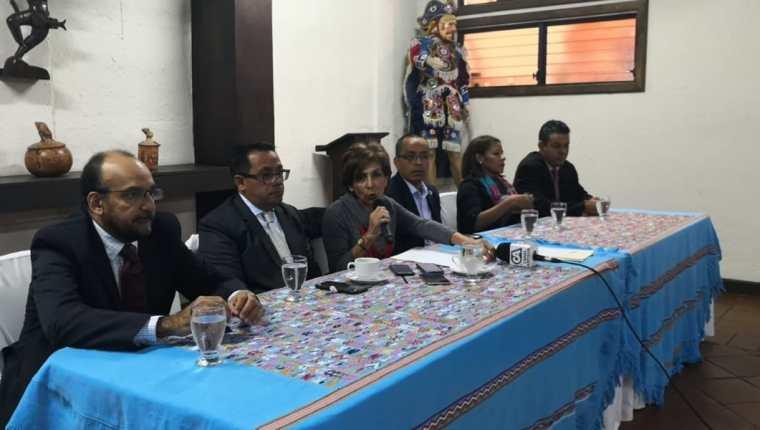 Encuentro por Guatemala informó que apoyará el presupuesto si se cumple con los compromisos hechos a la Usac, médicos y Organismo Judicial. (Foto Prensa Libre: Carlos Álvarez)