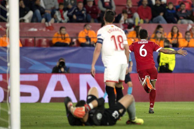 Thiago Alcántara anotó el gol de la victoria del Bayern Múnich en su visita al Sevilla. (Foto Prensa Libre: AFP)