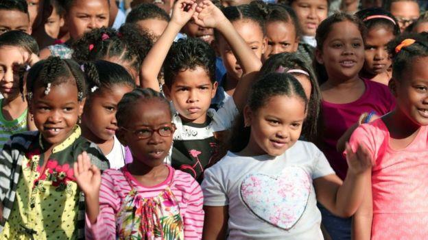 Muchos de los niños de Reunión enviados a Francia sufrieron de maltrato y racismo. AFP