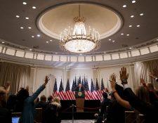 Periodistas piden la palabra en una rueda de prensa con el presidente Donald Trump (Foto Prensa Libre: EFE)