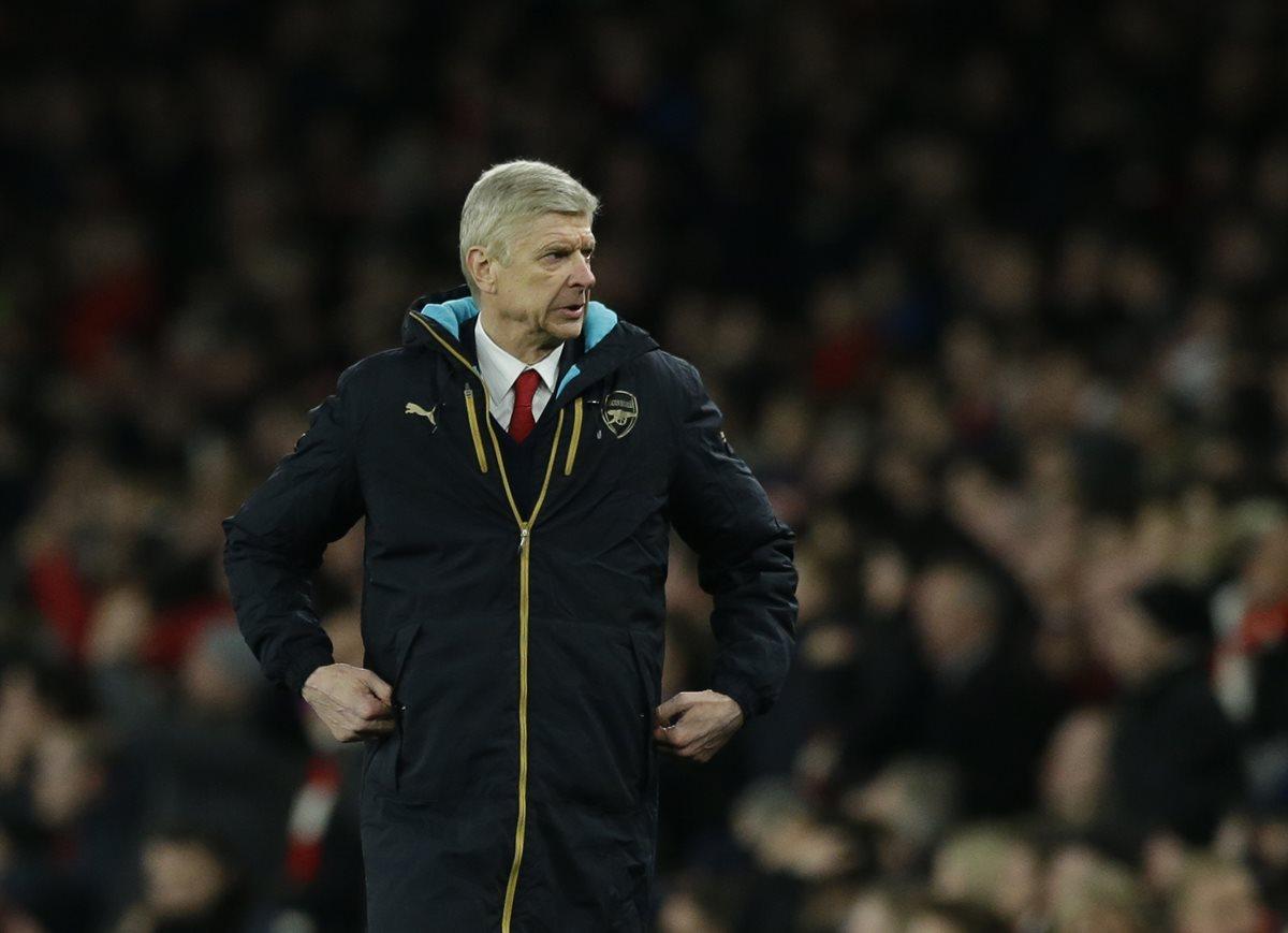 """Wenger cree que el colombiano Ospina es un guardameta """"de clase mundial"""""""
