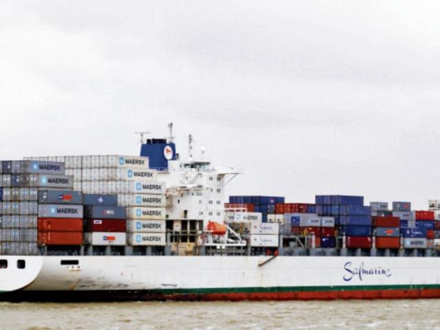 Atracará el primer carguero en TCQ
