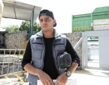 Alexander Larín se mostró preocupado debido a que se debe someter a una nueva intervención quirúrgica. (Foto Prensa Libre: Jorge Ovalle)