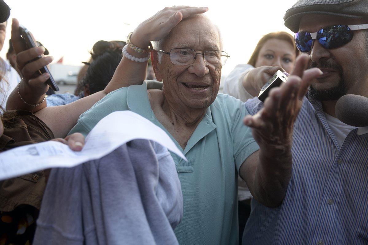 Exministro de Defensa salvadoreño llega deportado de EE. UU.