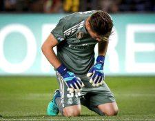 Luca, hijo de Zidane, se lamente después de recibir un gol en el juego entre Real Madrid y Villarreal. (Foto Prensa Libre: EFE)