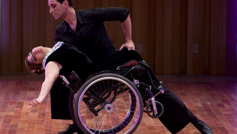 <em>La pareja no quiere privilegios y dijo que espera el jurado los evalúe como artistas y se olviden de la silla de ruedas. (Foto Prensa Libre: AP).</em>