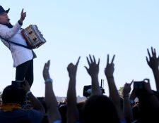 Los Tigres del Norte apoyan a Catherine Cortez Masto, candidata demócrata al Senado de Estados Unidos. (Foto Prensa Libre: AFP)