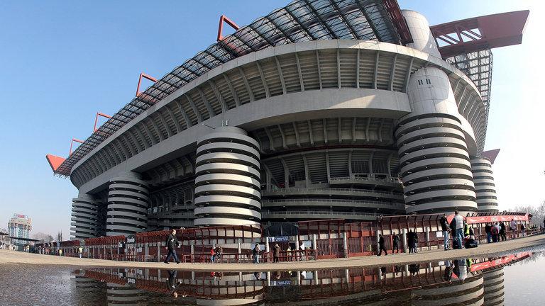 Un aficionado del Inter de Milán falleció después de enfrentamientos violentos entre aficionados del Inter y del Nápoli. (Foto Prensa Libre: Hemeroteca PL)