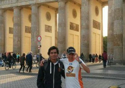 Rivero se encontraba con muchas expectativas y energías para correr el Maratón de Berlín. (Foto Prensa Libre: Twitter Luis Carlos Rivero)