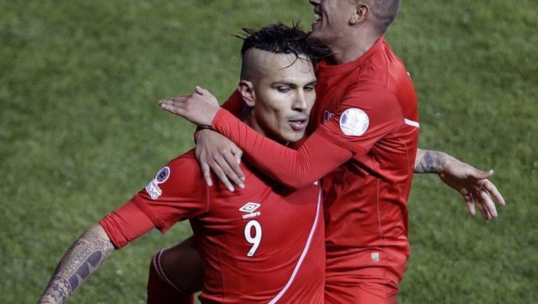 Paolo Guerrero, jugador peruano que dio positivo por dopaje. (Foto Prensa Libre: EFE)