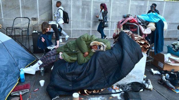 En Skid Row, en Los Ángeles, viven miles de personas sin techo. FOTO: GETTY IMAGES