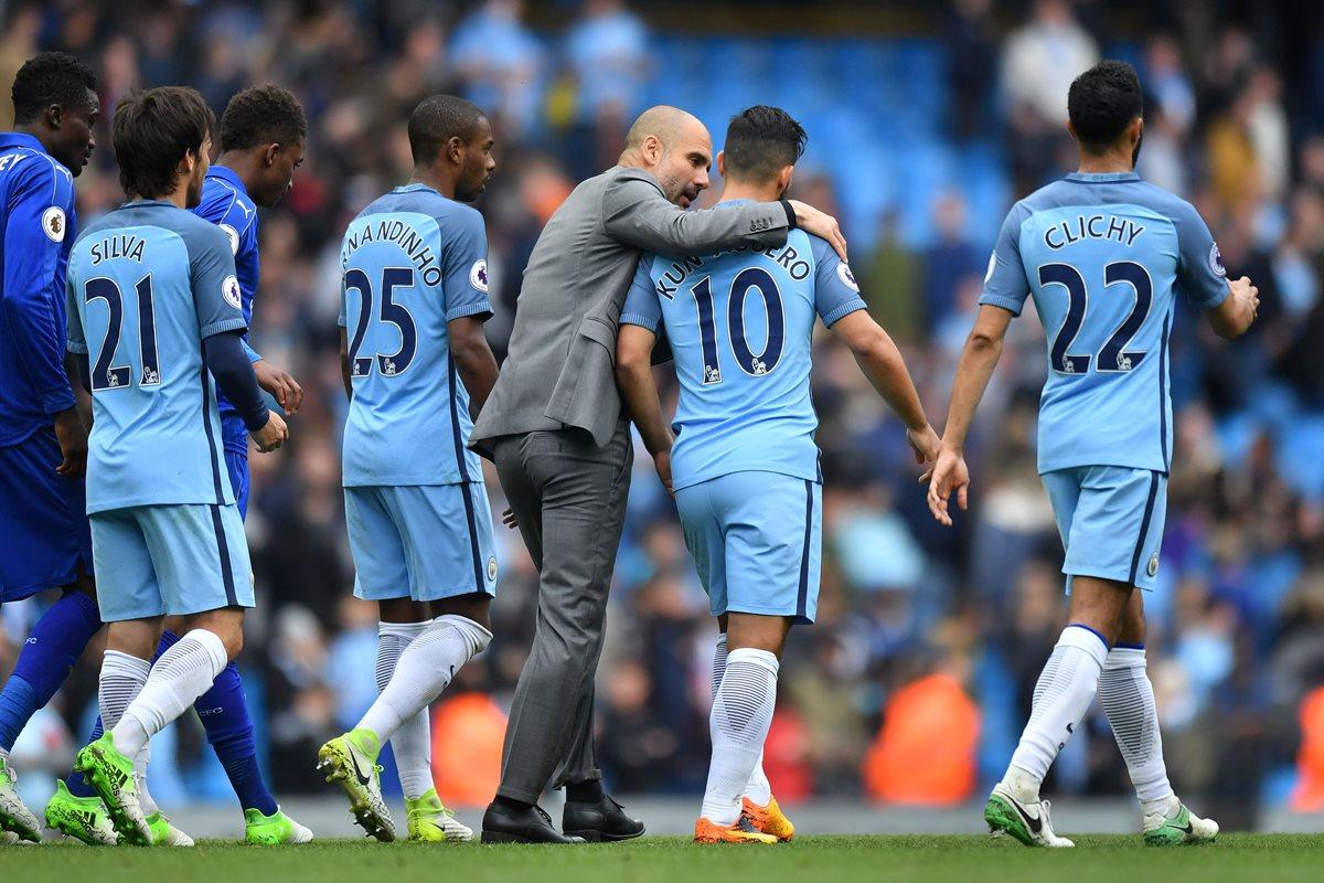 El City se situó en los tres primeros puestos de la Premier League, que ya ganó el Chelsea. (Foto Prensa Libre: AFP)